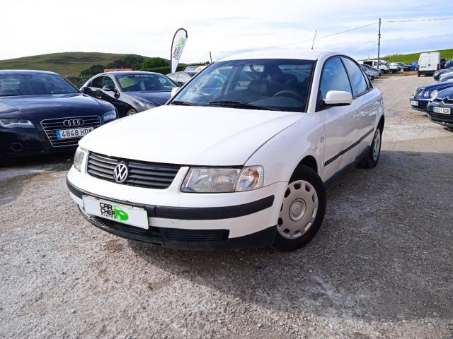 Volkswagen Passat ocasión segunda mano 2006 Gasolina por 1.499€ en Cantabria