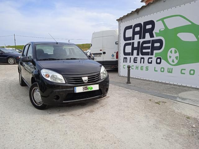 Dacia Sandero ocasión segunda mano 2010 Gasolina por 2.499€ en Cantabria