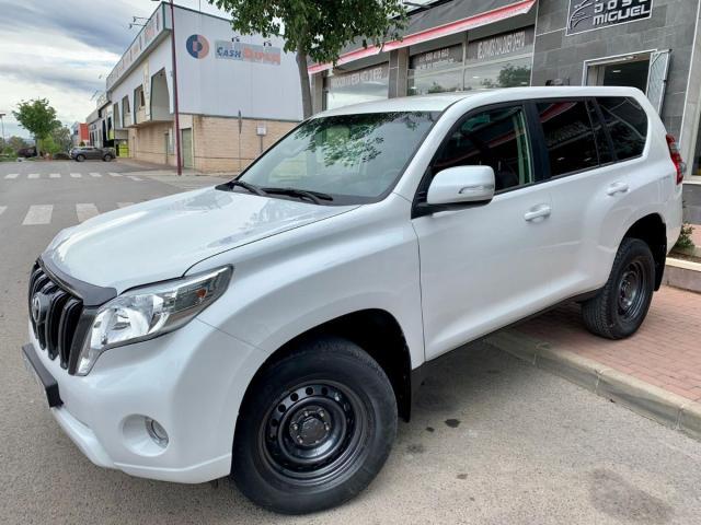 Toyota Land Cruiser ocasión segunda mano 2017 Diésel por 27.999€ en Jaén