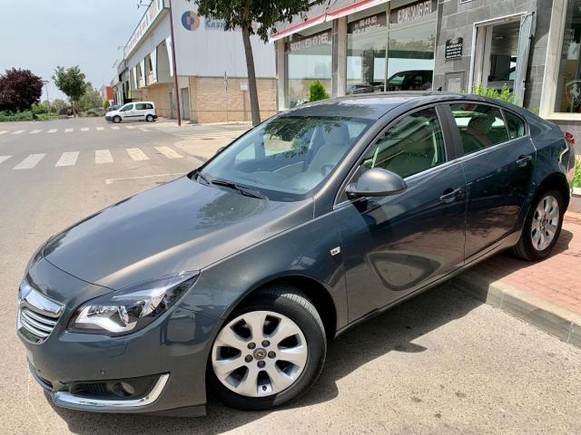 Opel Insignia  ocasión segunda mano 2015 Diésel por 10.999€ en Jaén