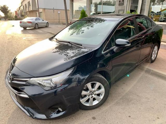 Toyota Avensis ocasión segunda mano 2015 Diésel por 10.999€ en Cantabria