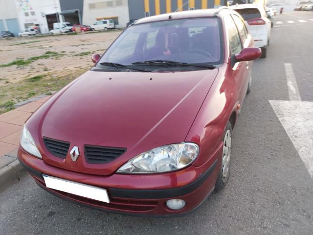 Renault  ocasión segunda mano 2003 Gasolina por 990€ en Murcia