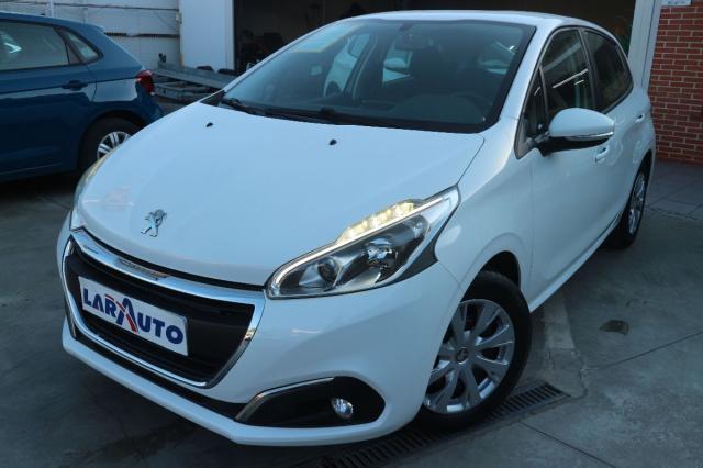 Peugeot 208 ocasión segunda mano 2015 Diésel por 8.600€ en Málaga